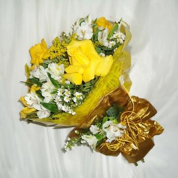 Bouquet de Rosas e Astromelias