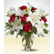 Lirios e Rosas no Vaso