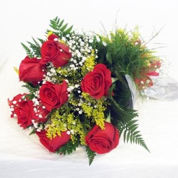 Bouquet com 8 rosas Importadas